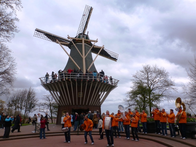 Keukenhof Gardens windmill &amp; brass band, Holland