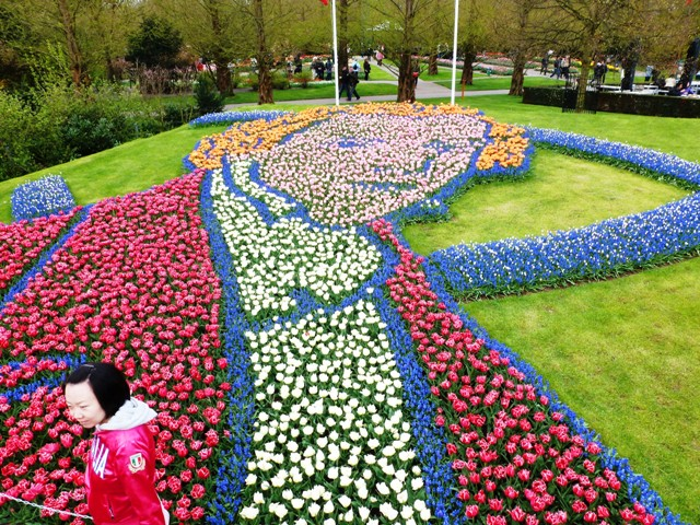 Chopin mosaic at Keukenhof Gardens- by Zoe Dawes
