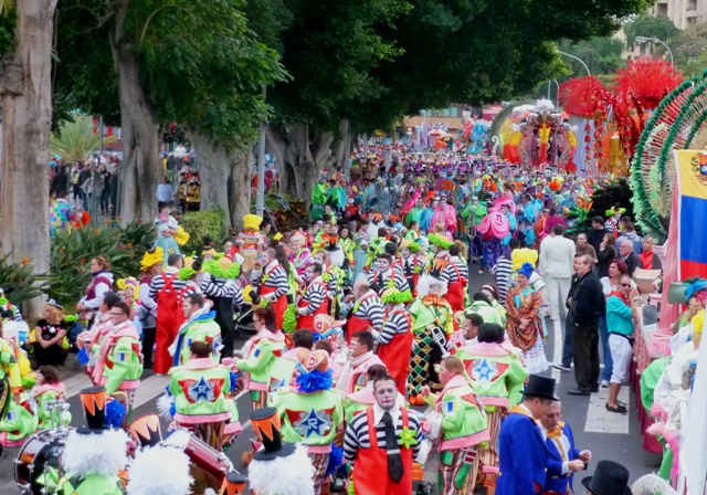 Clowns in Tenerife carnival procession - by Zoe Dawes