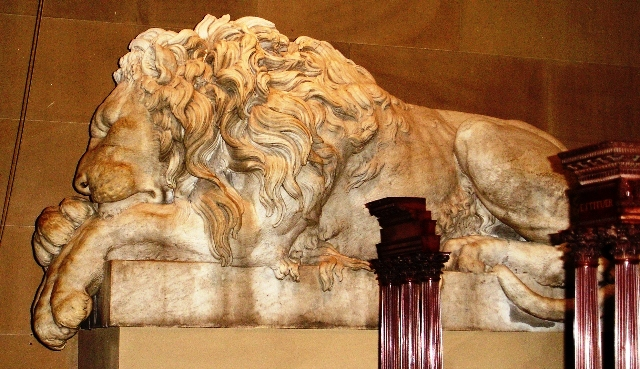 Marble Lion - Chatsworth House - By Zoe Dawes