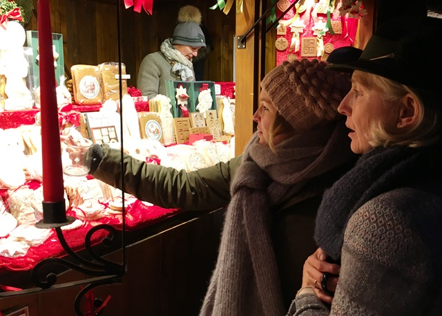 Choosing Lebkuchen at Tegernsee