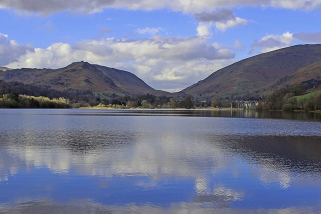 Grasmere Lake on a spring day in the Lake District, Cumbria - zoe dawes
