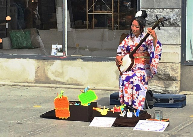 Japanese musician at Byward Market Ottawa - photo Zoe Dawes