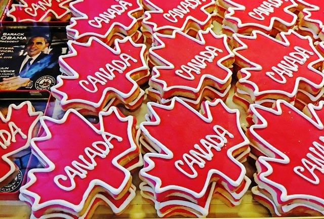 Obama Cookies in Le Moulin de Provence Ottawa Canada 150 - photo Zoe Dawes