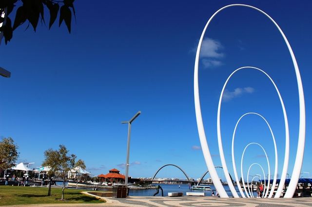 Tip holiday ideas - Perth Harbour - Western Australia - photo zoe dawes