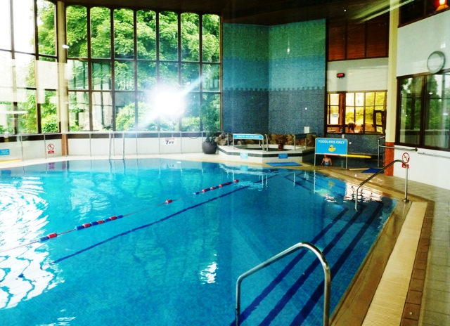 Blunsdon House Pool