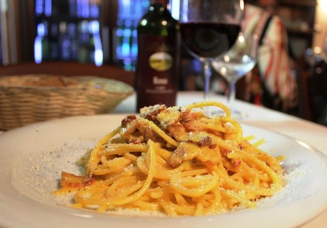 Spaghetti Carbonara at Le Mani in Pasta - Trastavere Rome