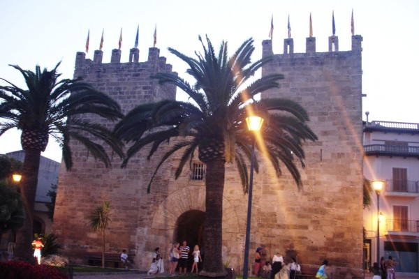 Sunset in Alcudia old town