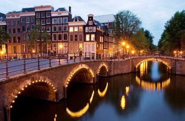 Amsterdam canal Netherlands student holiday - image Jean-Pierre Dalbera via Fotopedia