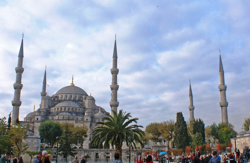 The Sultan Ahmed Mosque - The Blue Mosque - Istanbul Turkey - photo Zoe Dawes