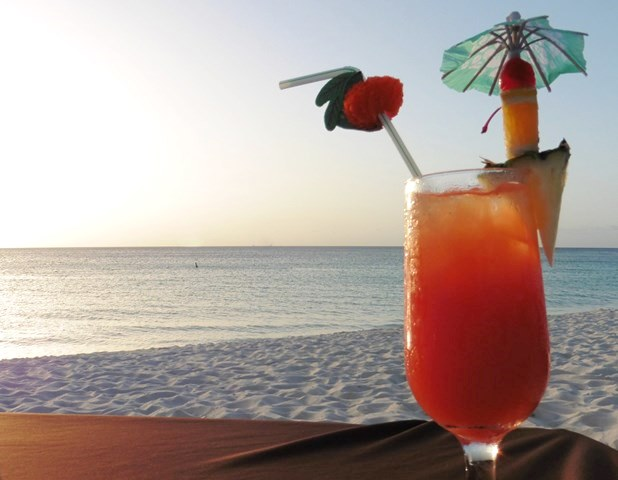 Passions on the Beach cocktail - Aruba - image zoedawes