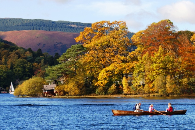 Derwentwater rowing boat autumn lake district - photo zoedawes
