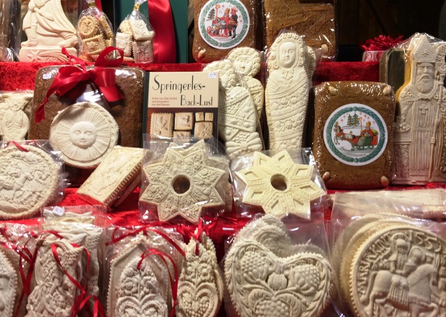 Gorgeous Lebkuchen gingerbread on stall Tegernsee Christmas Market Bavaria - image zoedawes