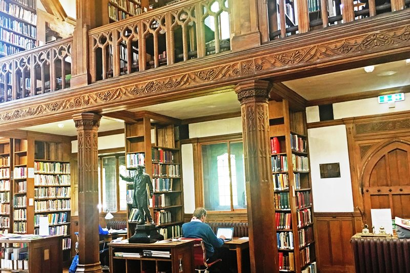 Gladstone Library Reading Room NE Wales - photo Zoe Dawes