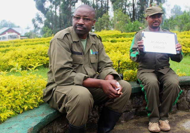 Guides for Agashya Group gorillas rwanda - zoedawes
