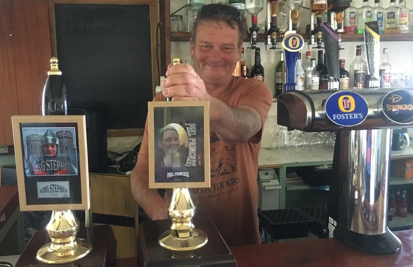 Steve Chattaway King of Piel Island in Ship Inn - photo Zoe Dawes