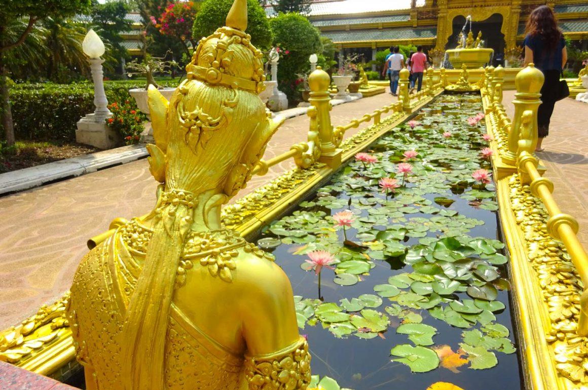 Lotus-pond-and-thai-goddess Thailand - photo Zoe Dawes