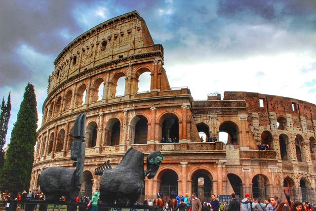 Rome - the Colosseum and horses - photo by Zoe Dawes