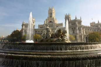 Madrid-Post-Office-and-fountain