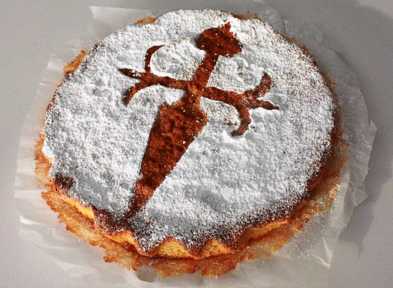 Best cakes in Europe - Madrid Tarta de Santiago Spain ©Holidu