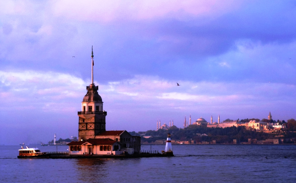 Maiden Tower on Bosphorus Istanbul Turkey - photo Zoe Dawes