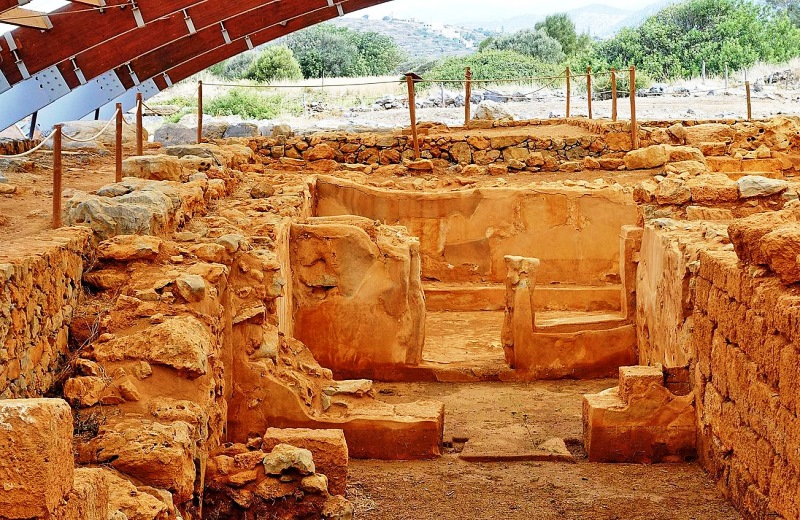 Minoan Malia Palace excavations Crete - photo Olaf Tausch