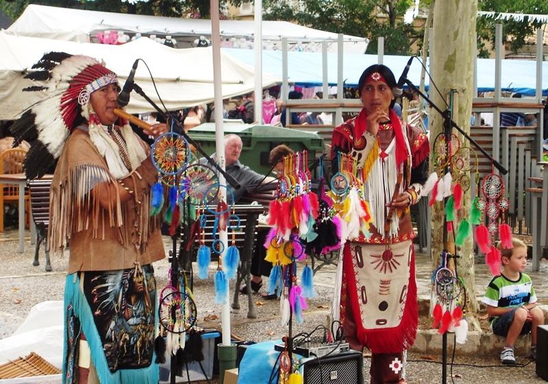 Market musicians Puerto Pollensa Majorca