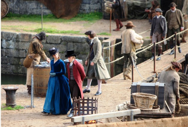 Heida Reed as Elizabeth and Jack Farthing as George Warleggan during filming of Poldark in Charlestown. BOTL20150921C-006_C Image Cornish Guardian