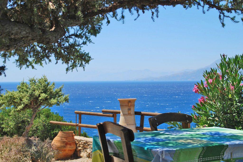 Taverna on beach in Crete - photo Macmaus