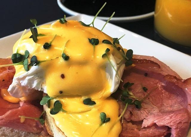 Bartons Yard Cafe Restaurant breakfast - The Halston