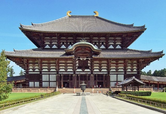 Tōdai-ji_Kon-dō Temple Nara in Japan