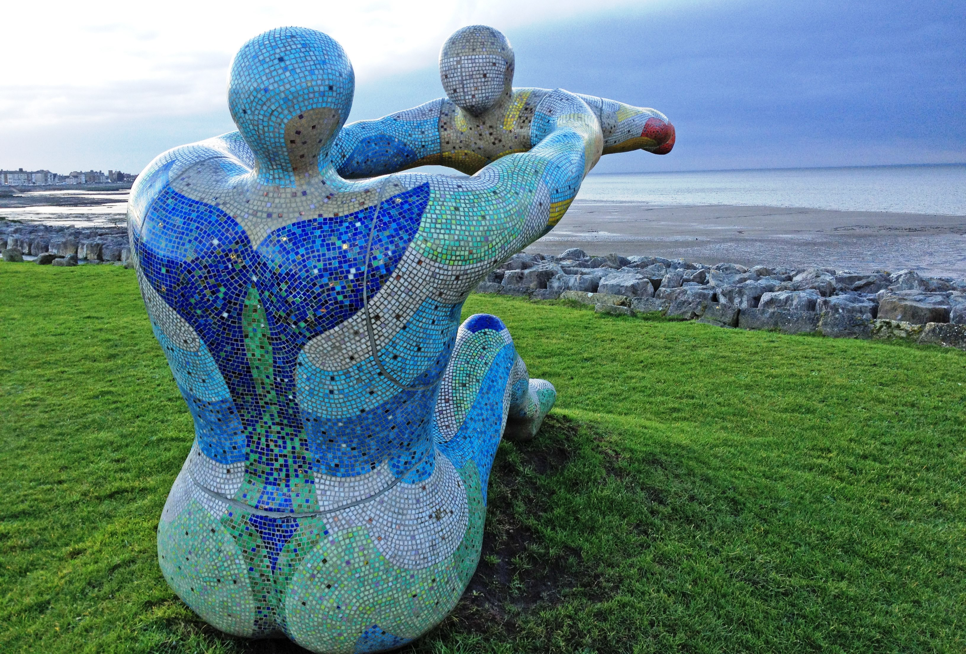 Venus and Cupid statue overlooking Morecambe Bay - photo Zoe Dawes